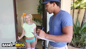 BANGBROS - Tiny Blonde Riley Star almost Gets Split in half
