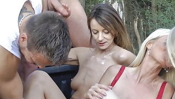 When horny mothers want to fuck outdoors!