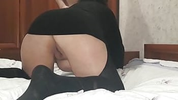 Fucking my mature stepmother, cumming inside her. Creampie