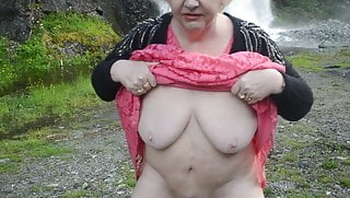 Goldenpussy  76 a hairy Mature Granny