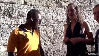 Femmes offertes a des inconnus